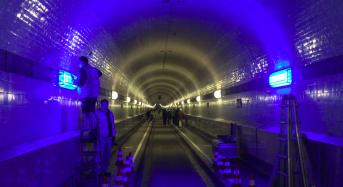 Mittwoch, 17. Mai: HafenCity wird abgesperrt, Hafen feiert Containerschiff, Elbtunnel soll blau leuchten